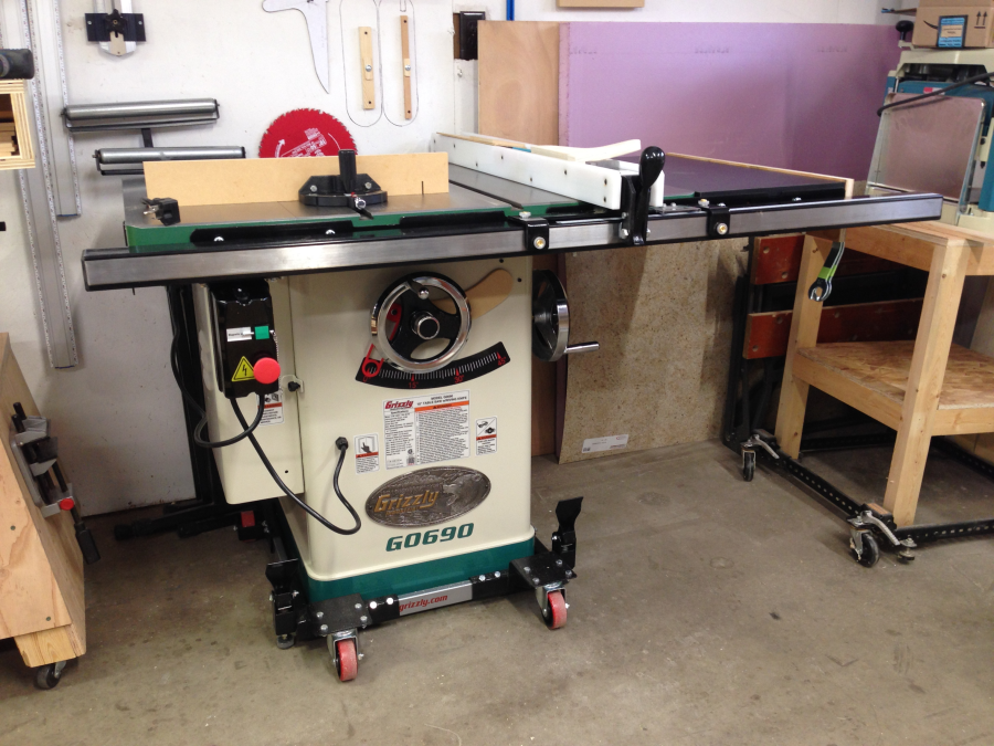 10 3hp 220v cabinet table saw with riving knife grizzly industrial view all customer images greentooth